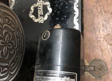 مكينة خياطة عمرها 70 سنة