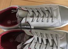 حذاء ماركة بريطاني