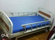 سرير طبي كهربائي للإيجار