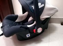 كرسي سيارة  اطفال وينفع كرسي عادي