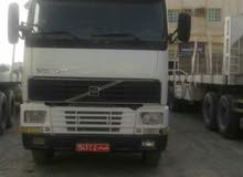 للبيع شاحنة قاطرة موديل 2002 ومقطورة موديل 2011