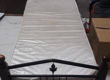 سرير حديد للبيع مع المرتبة