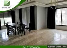 شقة طابق اخير للبيع في خلدا مساحة البناء 191 م مع روف 190 م بسعر مغري