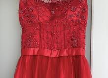فستان خطبة مفصل ملبوس مرة