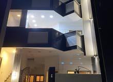 عماره 3طوابق تحتوي كل طابق على شقه و