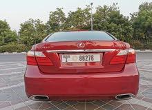 لكزس LS460 موديل2010 الون احمر من داخل بيج