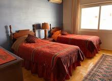 غرفة نوم تختين مفرد في حالة ممتازة