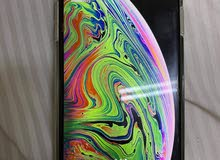 i phone xs max very clean no issues