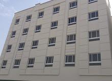 شقة مكيفة للإيجار في روي قريب جامع السلطان قابوس مقابل حديقة البلدية