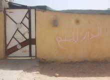 بيت تجاوز في القبله حي المهندسين متكون من  غرفتين وصله ودوانيه وصحيات وحوش