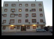عماره في حي السلام بالقرب من جزيرة الطياره  عماره تتكون من 10شقق