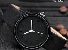 ساعة يد مصنوعه.من الجلد الاصلي اللون اسود فخامه المنظر تكفي ضد الصدا