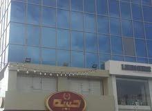 مكاتب فخمه للايجار في منطقه المقابلين شارع الحريه