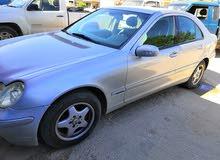 مرسيدس c200 موديل 2003