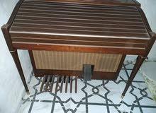 بيانو  اصلى يستخدم كثحفه او للاستخدام  الشخصي   ماشاء الله  حاجة  صح  كهربائي  ل