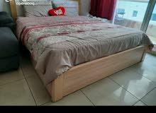 تخت للبيع bed frame في حالة جيدة وبسعر ممتاز