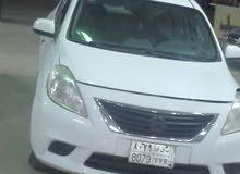 سائق خاص سوداني مع سيارة sunny