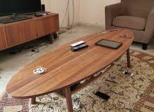 طاولة من ايكيا جديده بكرتونها