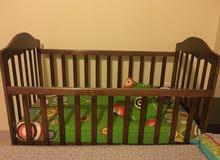 سرير اطفال مستعمل خفيف