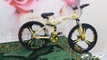 اكسوارات مجانآ من اختيار المشتري مع اي دراجه لاند روفر جنواط مراح تنطوي فقط 750