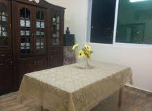 شقة للايجار بحاله ممتازه الموقع عمان المناره