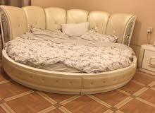 سرير دائري للبيع