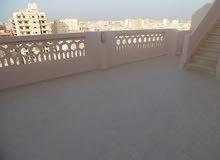 شقة بالروف 120م كل طابق اول سكن فيو رائع للبحر بالتقسيط في شاطئ النخيل