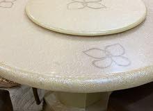 طاولة رخام