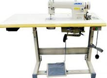للبيع ماكينة خياطه شبه جديده شغاله 100%
