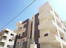 شقة ارضية فاخرة اقساط في مرج الحمام((دوار الاتصالات)) ومن المالك مباشرة