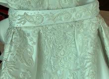 فستان زفاف راقي جداً للبيع