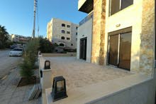 شقة أرضية من المالك حديقة وتراس وكراج خاص جديدة في شارع مكة بأم السماق الجنوبي
