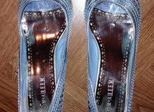 للبيع حذاء جديد لون أزرق