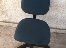 كرسي مكتب متوسط الحجم