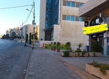 محــل تجــاري بمنطقه حيوية تجارية في خلــدا(ش.الاميرة رحمه بنت الحسن -بناء رقم