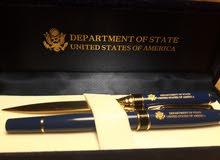 قلم وفاصلة ورق من الولايات المتحدة الأمريكية للبيع