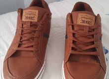 حذاء ليفايز أصلي لون بني