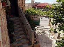 بيت مستقل طابقين للبيع او للاجار قرب مدرسه باعون للبنات