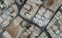 ارض 917 م_أبو نصير المقرن فوق شارع الأردن