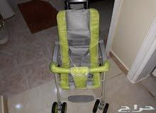 عربة اطفال نظيفه جدا سهلة الحمل