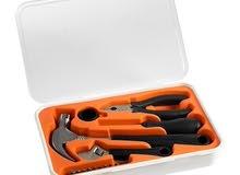 ادوات يدوية للاستعمال المنزلي اليومي