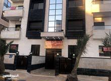 شقة طابق ثالث مع ارضية روف 80م ضاحية الياسمين