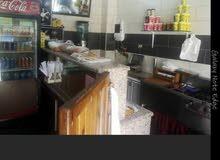 كافتيريا + مطعم للبيع بسعر مغري