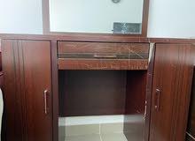 Dresser w mirror & stool