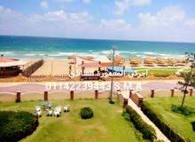 كما بالصور شقة عالبحر مباشرة بالعفش سوبر لوكس بأرقي اماكن الإسكندرية بالمعمورة الشاطئ