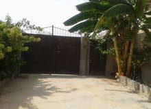 منزل للبيع مساحة الأرض حولي 750 متر مربع مسيج بالكامل والمسقوف حوالي 350 متر للبيع