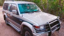 سياره باجيرو يسره ابلاد .مكينة 2500 جاهزة مديل 1993 تبىريد شغال ثلاث قطع
