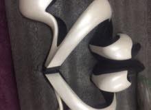 حذاء ليدى جاجا تصميم فريد وغريب