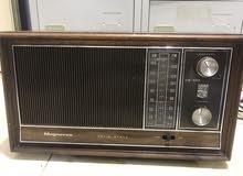 راديو قديم.  الكهربا
