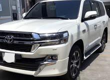 مطلوب سيارات بقيمة ( 100،000) مية الف درهم امراتي وفوق